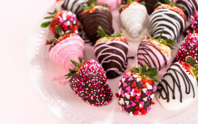 Chocolate Covered Strawberry Pops