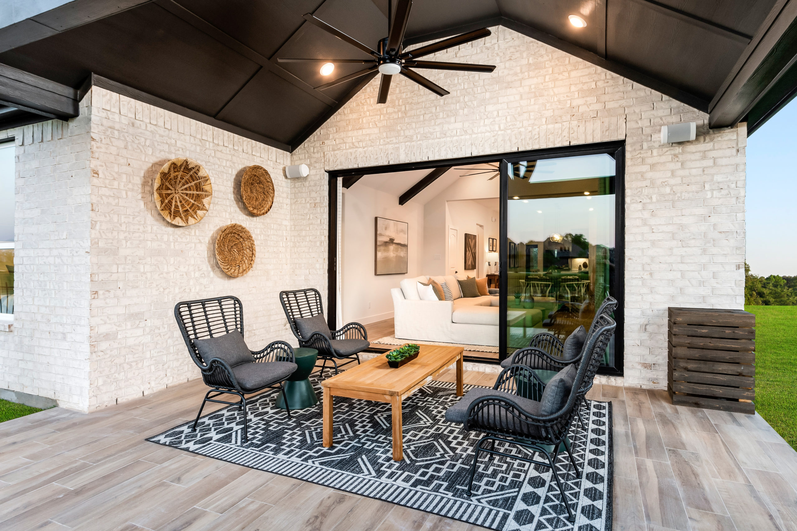 Angelo High Plains Covered Patio